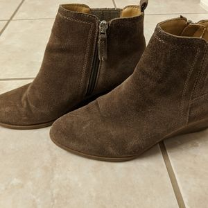 Wedge ankle boots in tan
